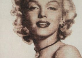 "Embroidery ""Marilyn Monroe"""
