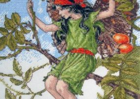 "Broderie ""The Rose Hip Fairy"""