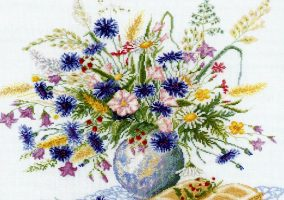 "Embroidery ""Bouquet with cornflowers"""